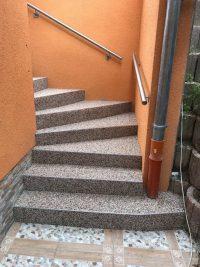 Steinteppich Treppe außen