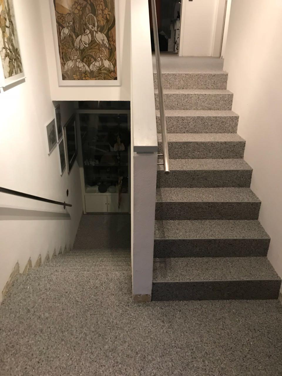 Steinteppich Treppe im Haus